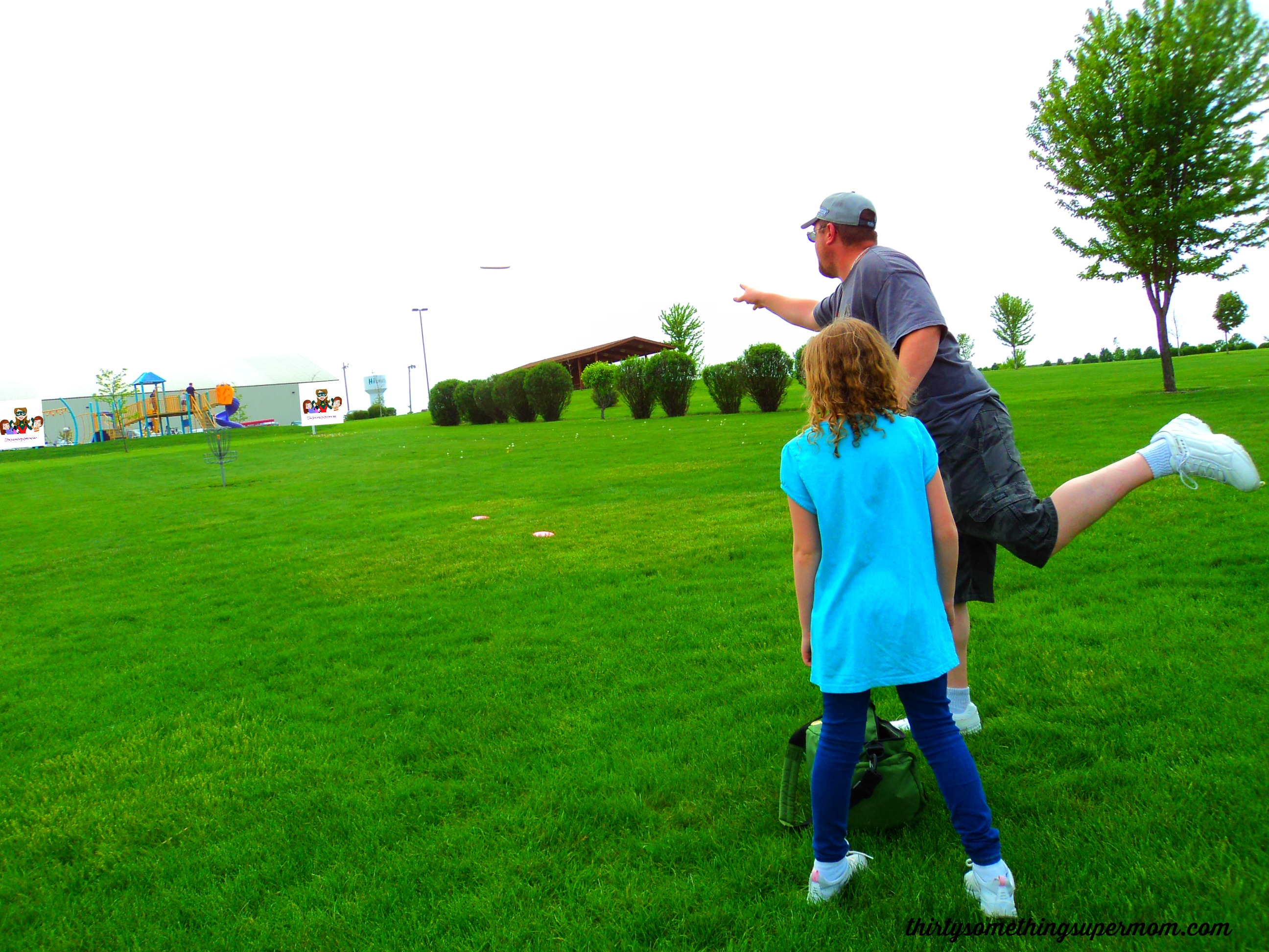 Fun Outdoor Family Activity: Disc Golf