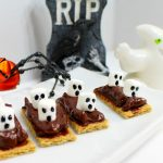 Easy Snack Idea Ghosts on a Boat