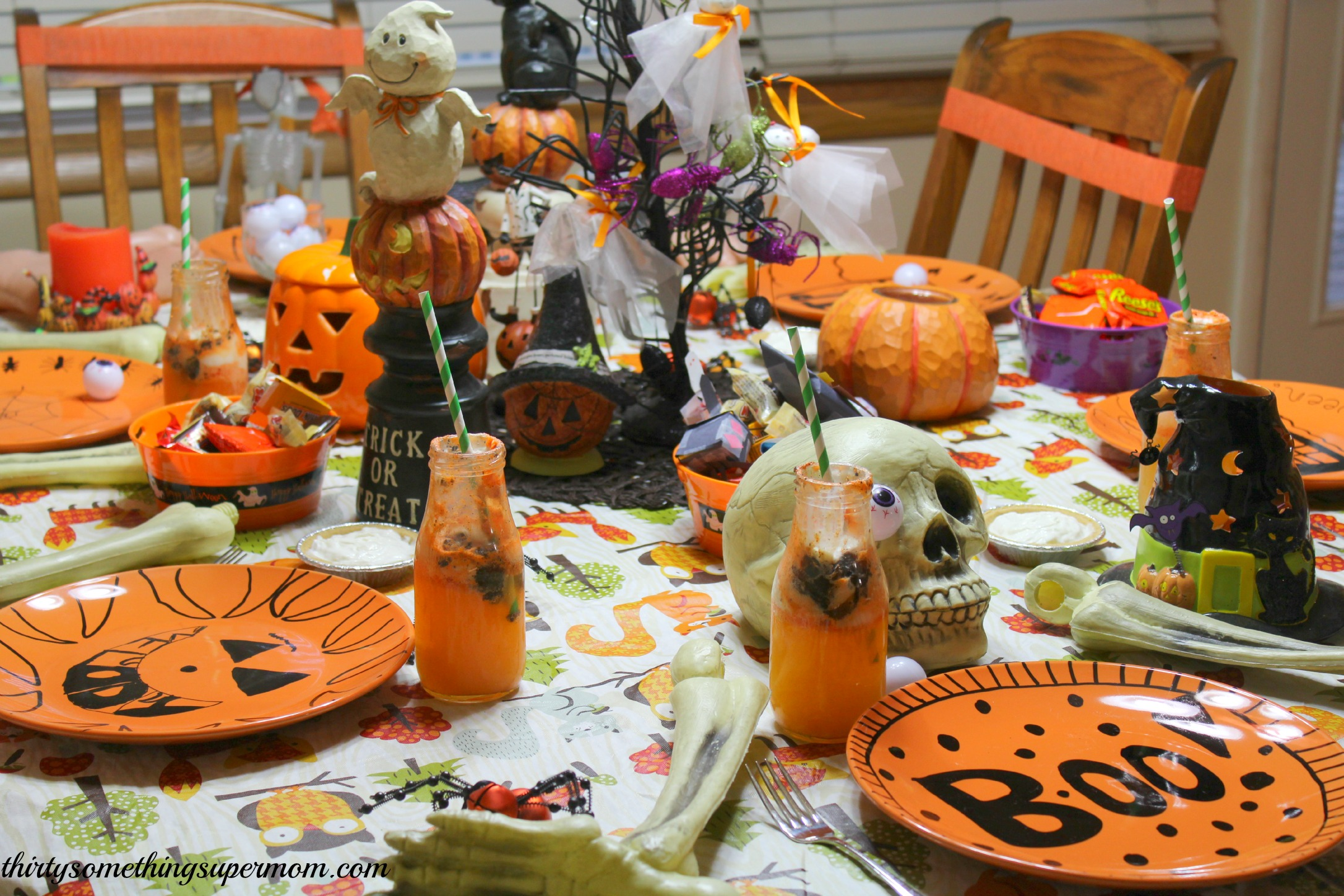 Spooky halloween party tablescape ideas for How to have a great halloween party