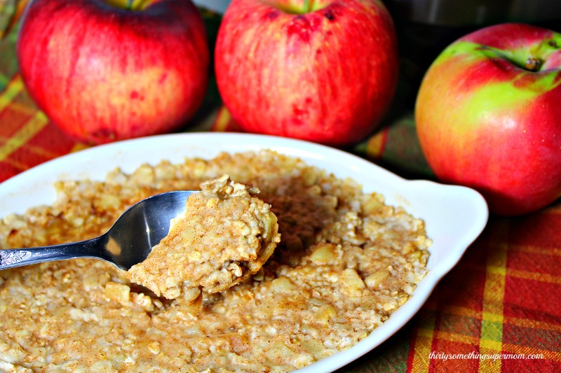 Easy Overnight Apples & Cinnamon Oatmeal